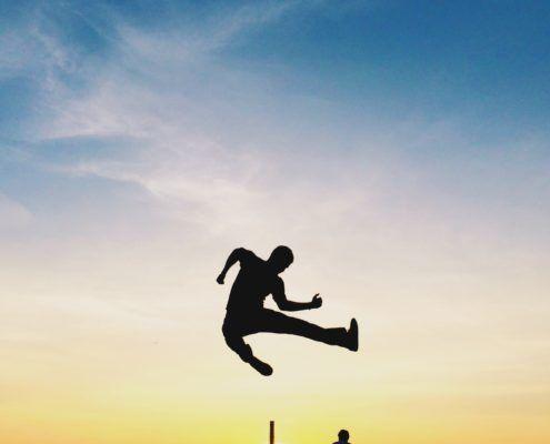 Springende man silhouet